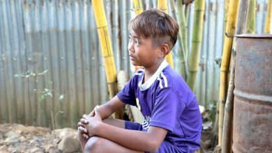 Photo of FROM THE FIELD: The Myanmar child workers risking their lives for stones