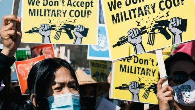Photo of 'Mass deaths' alert in Myanmar as 100,000 flee junta's heavy weapons